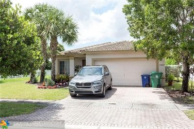 Miramar Single Family Home For Sale: 13323 SW 44th St