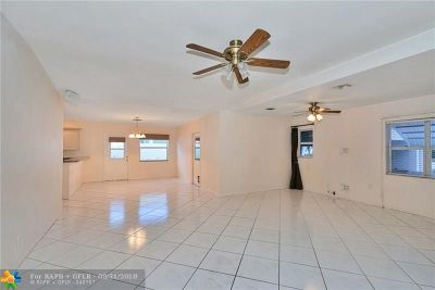 Pompano Beach Single Family Home For Sale: 2600 SE 2nd Ct
