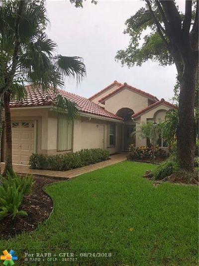 Pompano Beach Single Family Home For Sale: 520 Misty Oaks Dr