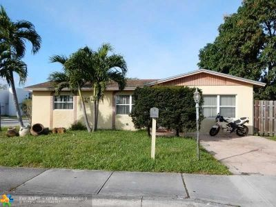 North Lauderdale Single Family Home For Sale: 529 SW 71st Ave