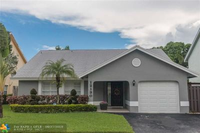 Sunrise Single Family Home For Sale: 12130 NW 33rd St