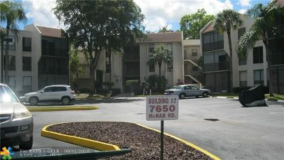 Tamarac Condo/Townhouse For Sale: 7650 W McNab Rd #104