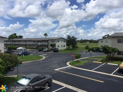 Margate Condo/Townhouse Backup Contract-Call LA: 601 NW 80th Ave #205