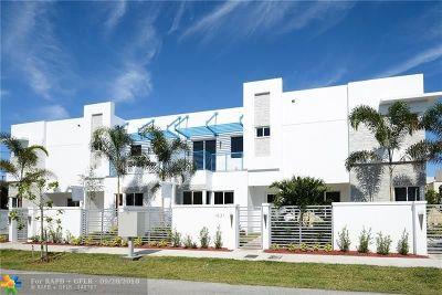 Condo/Townhouse For Sale: 902 NE 16th Ter #902