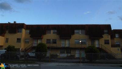 Hialeah Condo/Townhouse For Sale: 1560 W 46th St #241
