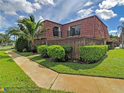 Deerfield Beach Condo/Townhouse For Sale: 2402 SW 15th St #2402