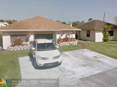 West Palm Beach Single Family Home For Sale: 1367 Summit Run Cir