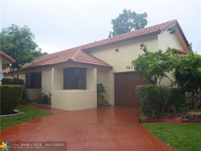 Pembroke Pines Single Family Home For Sale: 741 SW 113th Ave