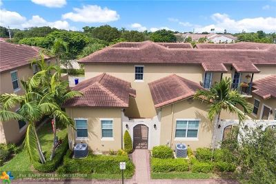 Pembroke Pines Condo/Townhouse For Sale: 1506 SW 147th Ter