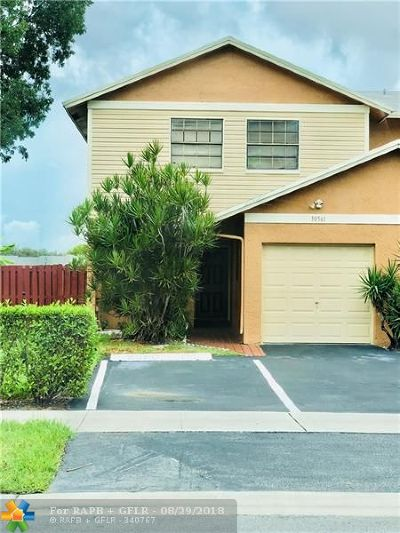 Pembroke Pines Single Family Home For Sale: 10561 NW 3rd St