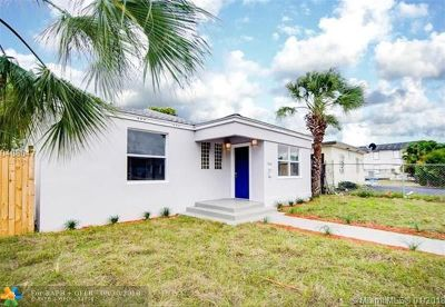 West Palm Beach Single Family Home For Sale: 900 10th St
