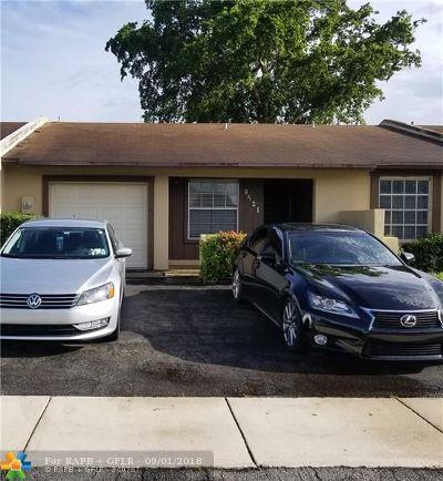 Miramar Single Family Home For Sale: 9521 W Daffodil Ln