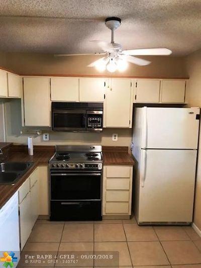 Plantation Condo/Townhouse For Sale: 10501 W Broward Blvd #304