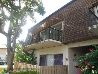 Plantation Condo/Townhouse For Sale: 7521 W Sunrise Blvd #A2