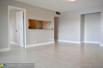 Sunrise Condo/Townhouse For Sale: 3711 NW 95 Terrace #1124