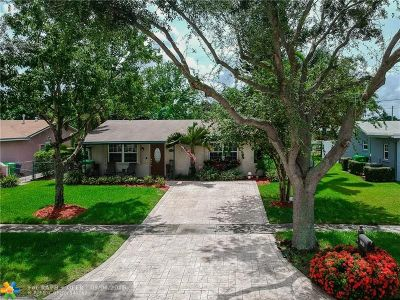 Sunrise Single Family Home For Sale: 9630 NW 25th Ct