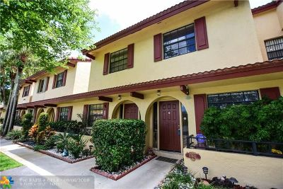 Coral Springs Condo/Townhouse For Sale: 10942 W Sample Rd #E1
