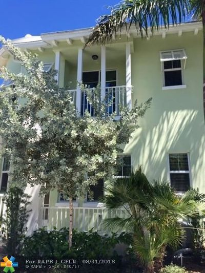 Single Family Home For Sale: 910 NE 17th Way