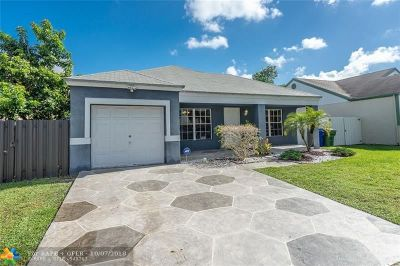 Pembroke Pines Single Family Home For Sale: 1111 SW 85th Ave