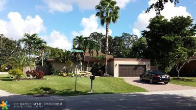 Tamarac Single Family Home For Sale: 8096 Buttonwood Cr