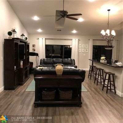 Tamarac Condo/Townhouse For Sale: 7530 NW 79th Ave #S5