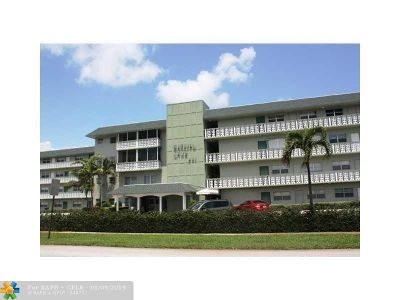 Deerfield Beach Condo/Townhouse For Sale: 941 Crystal Lake Dr #307