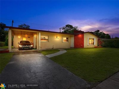 Miami Single Family Home For Sale: 19315 NW 19th Ct
