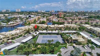 Pompano Beach Condo/Townhouse For Sale: 1100 SE 5th Ct #65