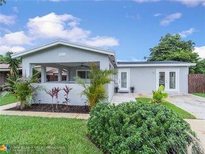 Oakland Park Single Family Home For Sale: 4831 NE 5th Ter