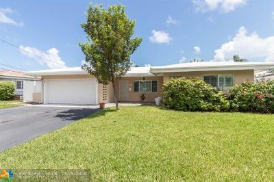 Pompano Beach Single Family Home For Sale: 250 SE 2nd Ave