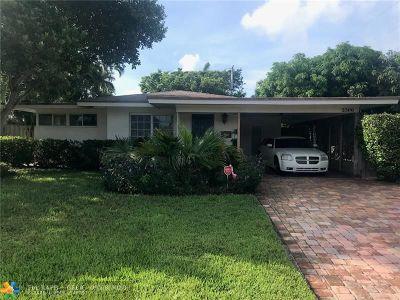 Pompano Beach Single Family Home For Sale: 2500 SE 5th St