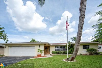 Lauderhill Single Family Home For Sale: 7831 NW 46th St