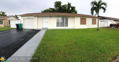 Miami Single Family Home For Sale: 11005 SW 152nd Ter