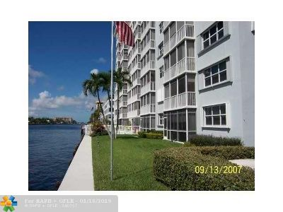 Pompano Beach Condo/Townhouse For Sale: 303 N Riverside Dr #105