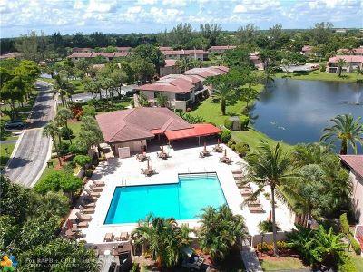 Boca Raton Condo/Townhouse For Sale: 9282 Vista Del Lago #33-D