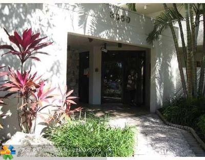 Coconut Creek Condo/Townhouse For Sale: 3050 NW 42nd Ave #105
