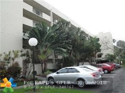 Coconut Creek Condo/Townhouse For Sale: 2900 NW 42nd Ave #A102