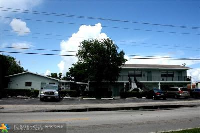 Pompano Beach Multi Family Home For Sale: 325 NW 15 St