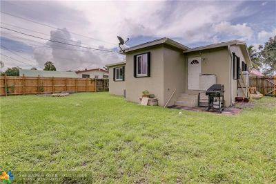 Hollywood Single Family Home For Sale: 6405 Perry St