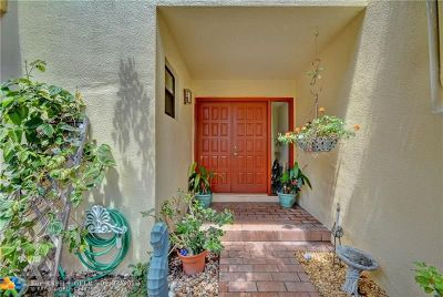 Plantation Condo/Townhouse Backup Contract-Call LA: 8533 NW 9th Pl #8533