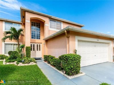 Pembroke Pines Single Family Home For Sale: 1020 SW 88th Way