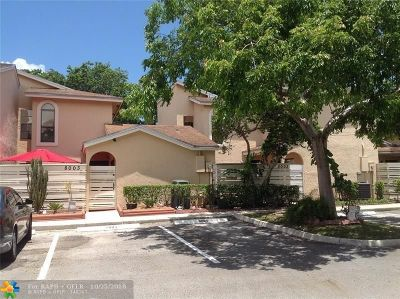 Tamarac Condo/Townhouse For Sale: 8003 NW 71st Ct #8003