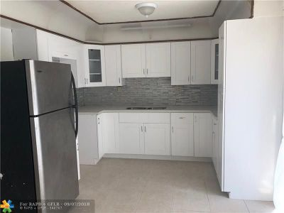 Pompano Beach Multi Family Home For Sale: 2051 NE 2nd Ter