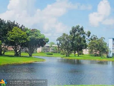 Boca Raton Condo/Townhouse For Sale: 3045 Guildford C #3045