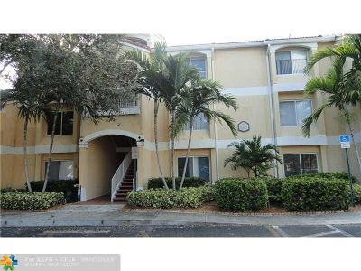 Oakland Park Condo/Townhouse For Sale: 2667 NW 33rd St #2414