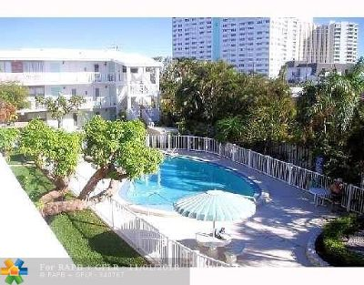 Lauderdale By The Sea Condo/Townhouse For Sale: 224 Hibiscus Ave #257