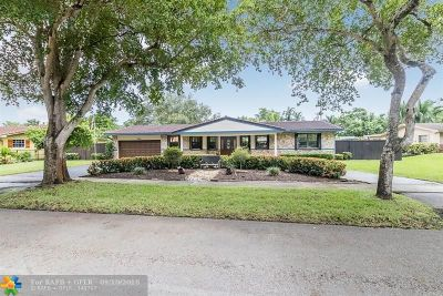 Plantation Single Family Home For Sale: 640 Gardenia Ln
