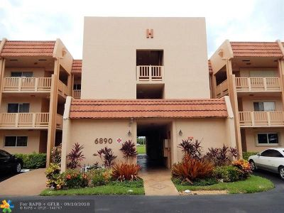 Margate Condo/Townhouse For Sale: 6890 Royal Palm Blvd #208H