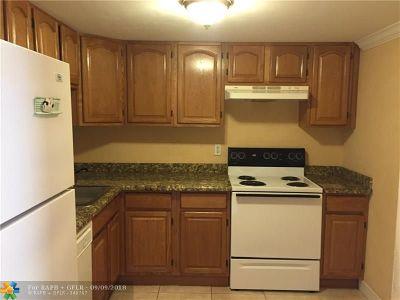 Miami Condo/Townhouse For Sale: 7700 Camino Real #D105