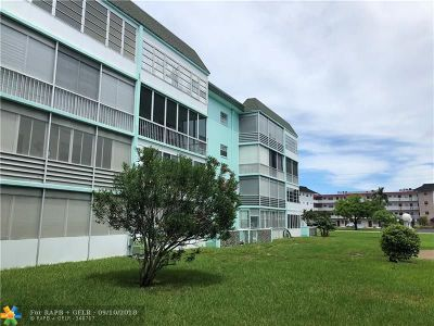 Lauderdale Lakes Condo/Townhouse For Sale: 4141 NW 44th Ave #115